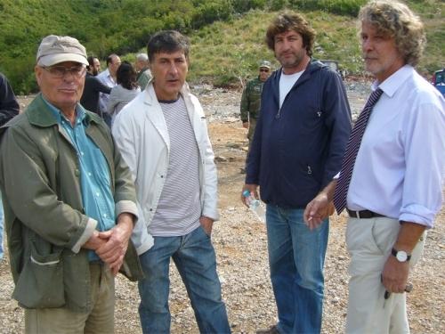 Γιάννης Ίσαρης, Μπάμπης Αργύρης, Αντώνης Μπαρσίνικας και Αντώνης Κατσάς, μέλη της Ομάδας Δράσης για τον Ταΰγετο, στη Μαραθόλακκα