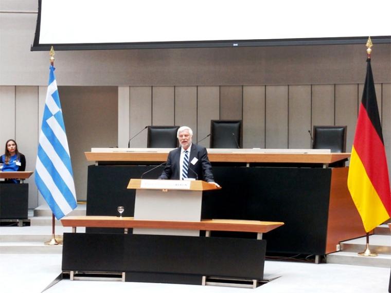 Υπερασπίζεται την ελληνογερμανική συνεργασία στην αυτοδιοίκηση ο Πέτρος Τατούλης