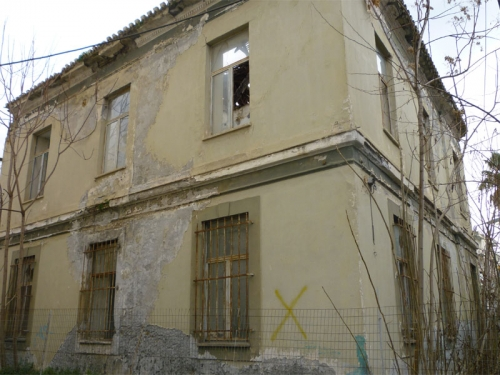Να κατεδαφιστεί το υπεραιωνόβιο κτήριο της Ηλεκτρικής Εταιρίας ζητάει η Δημοτική Κοινότητα