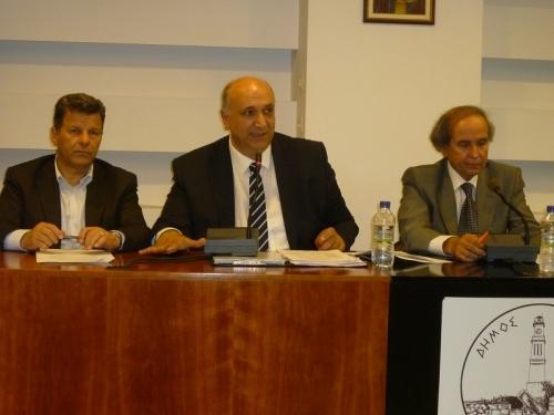 Από την προηγούμενη συνεδρίαση του Δ.Σ. Μεσσήνης για το Καλαμάτα-Ριζόμυλος με τον Στ. Αναστασόπουλο, Μαν. Αγγελάκα και Ηλ. Πατσιώτη