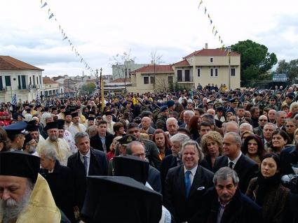 Ο αναπληρωτής υπουργός Γιώργος Κατρούγκαλος, κατά την επιστροφή της εικόνας στην Υπαπαντή