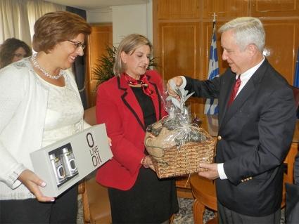 Οι Έλληνες διακρίνονται στο επιχειρείν λέει ο Πρέσβης των ΗΠΑ